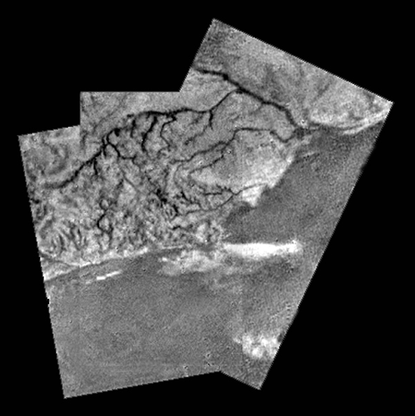 On descent, the probe photographs what looks like a coastline.