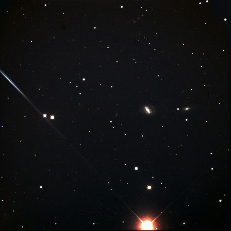 M40 - Winnecke 4, Double-Star (left of center)